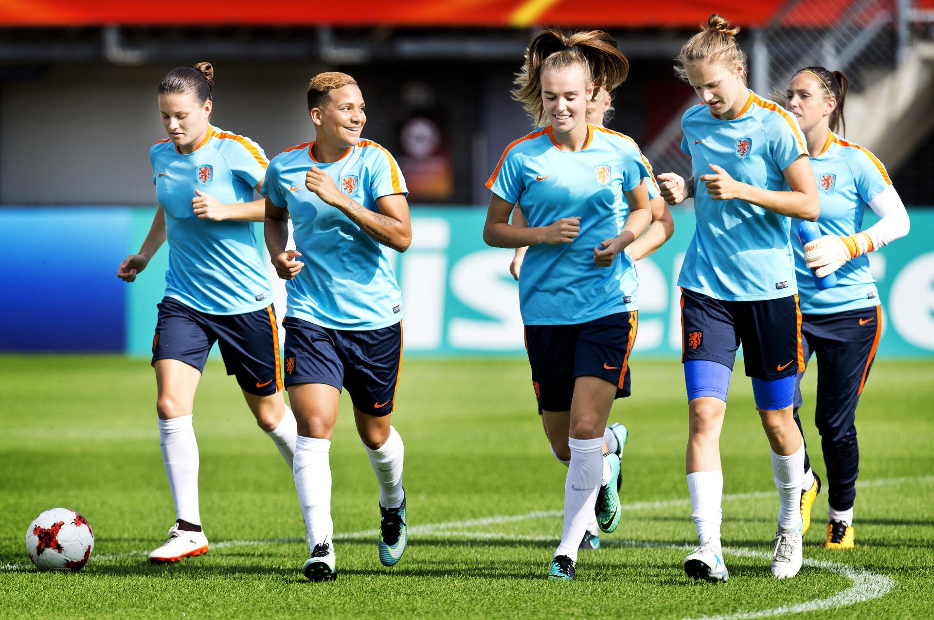 EK Vrouwenvoetbal training
