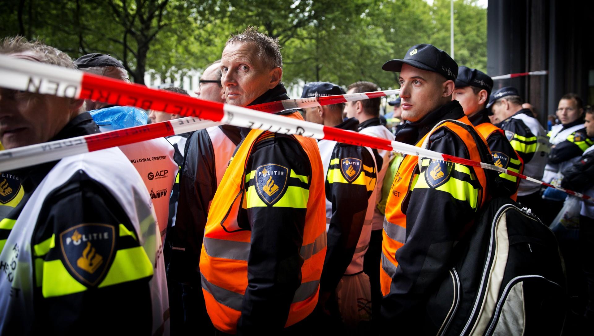 Agenten blokkeren ministeries