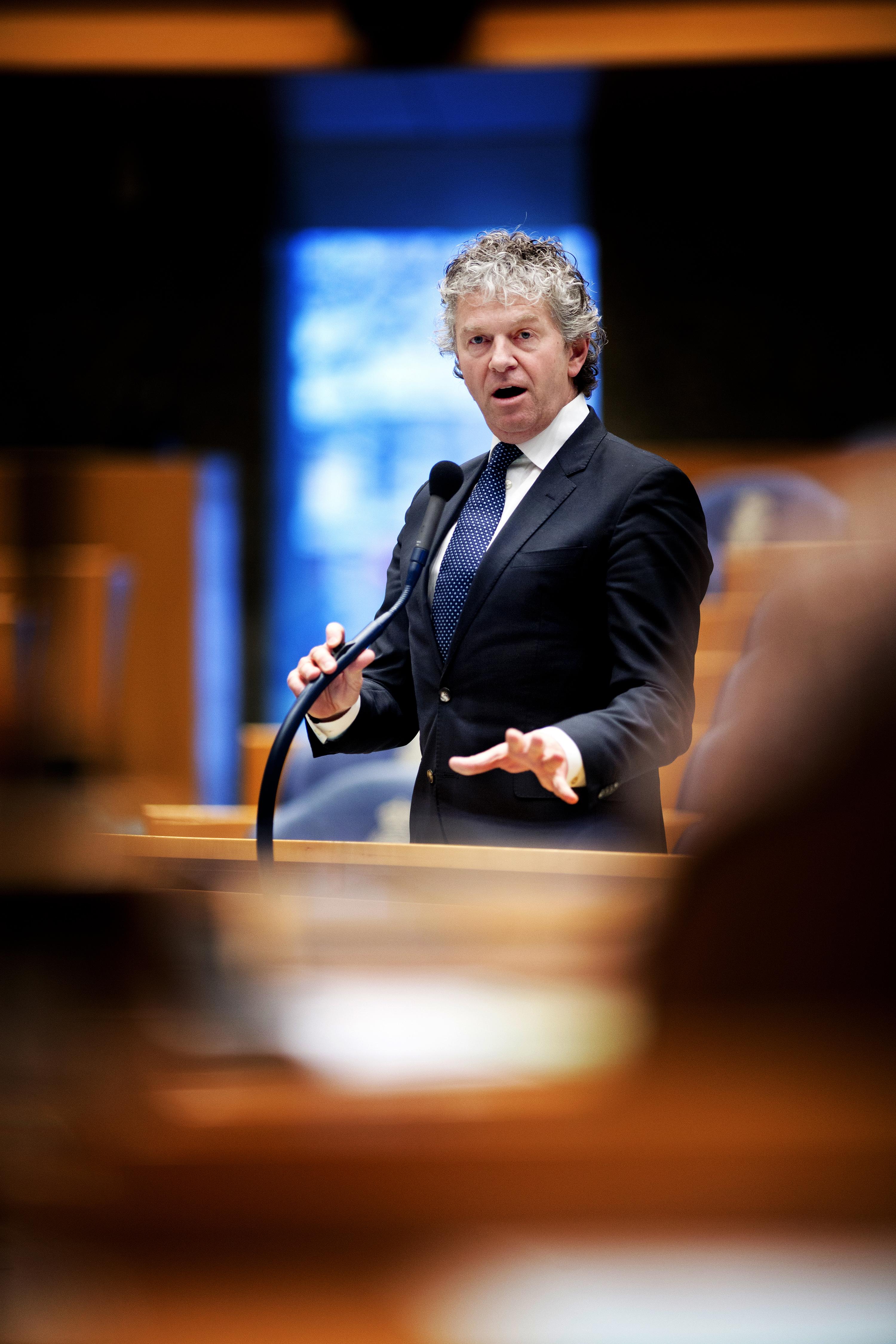 ## VRIJE FOTO ## DEN HAAG - Jacques Monasch. Kamerleden in de tweede kamer tijdens het vragenuurtje. - FOTO GUUS SCHOONEWILLE