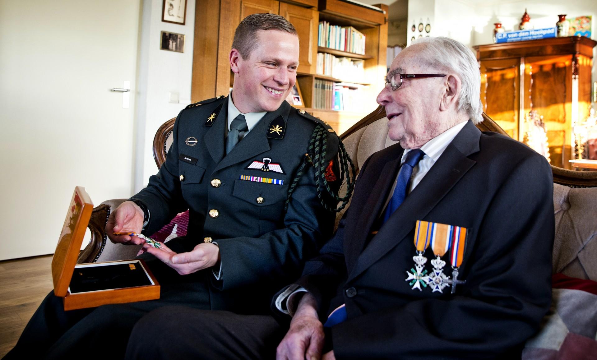 Ridders militaire Willems-Orde ontmoeten elkaar